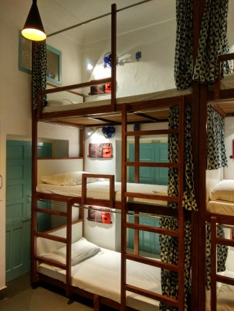 Bunk Bed And Lockers Dormitory Rang 6 Bed Picture Of Jaipur Jantar Hostel Tripadvisor