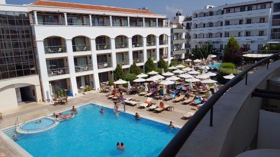 Albatros Spa Resort Hotel: Pool area