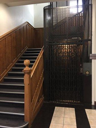 Palmerston North, نيوزيلندا: Vintage elevator