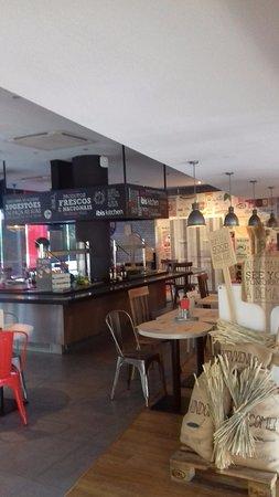 Amadora, Portugal: Cafetería