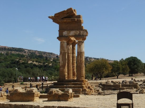 Tempio dei Dioscuri .