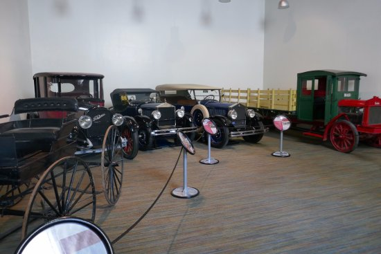 Museum of Transportation: Some of the cars