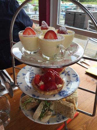 Kilsyth, UK: Afternoon tea