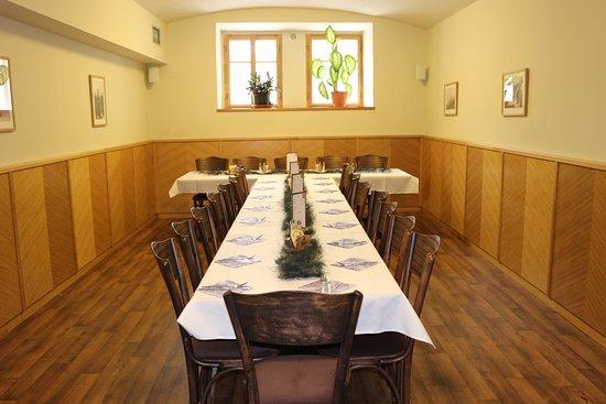 Jilemnice, Tschechien: Úprava stolů
