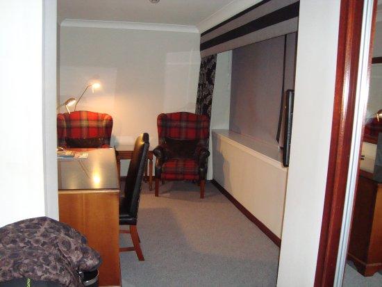 Bureau dans chambre pour trois Изображение macdonald holyrood