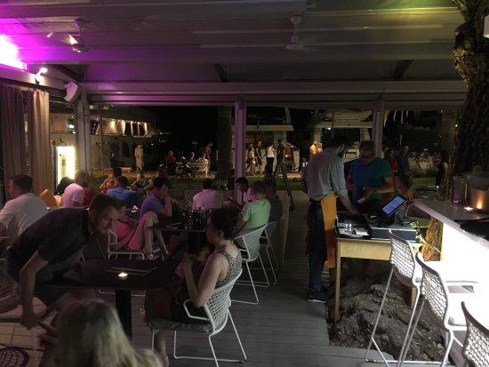 Kamen Mali Bar Restaurant