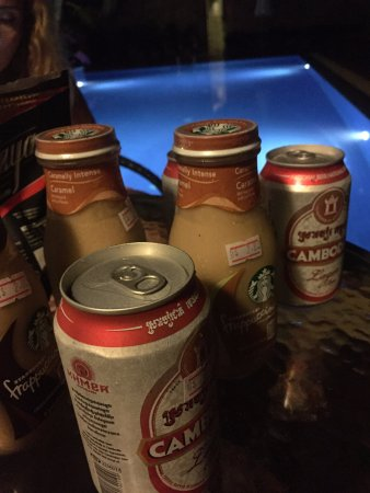 Steung Siemreap Thmey Hotel: we drink at the pool bar all nights