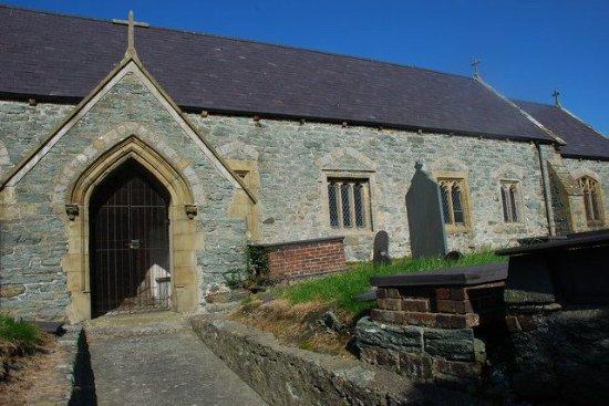 Eglwys St Edern Church