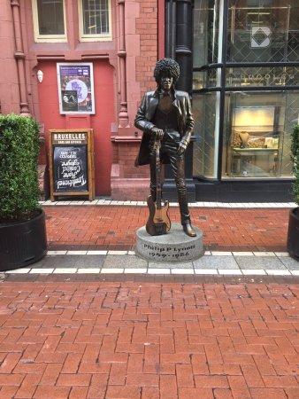 Phil lynott statue dublin 2018 ce qu 39 il faut savoir - Reparation telephone chartres ...