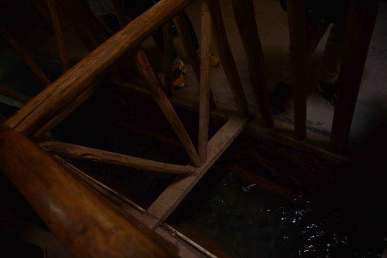 Turpan, Kina: Inside the tunnel