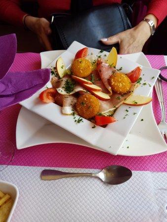 L'Angelus: salade janbon framage chaud entree