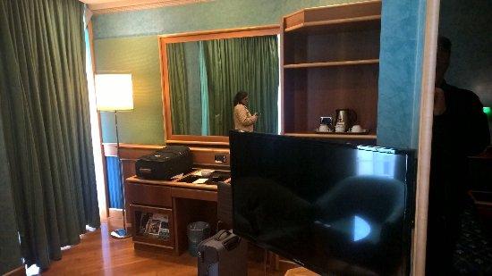 Brunelleschi Hotel: Spacious Room