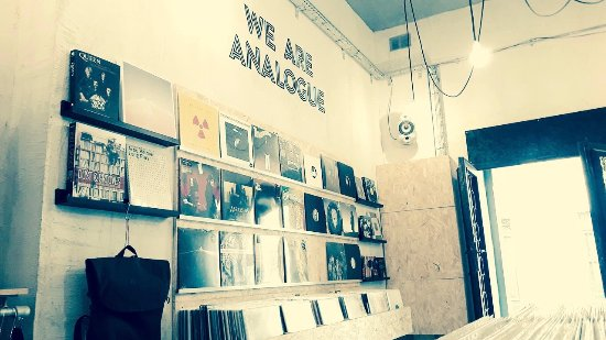 Sliema, Malta: WE ARE ANALOGUE!