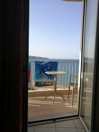 Renieris Hotel: IMG_20170919_171748_large.jpg