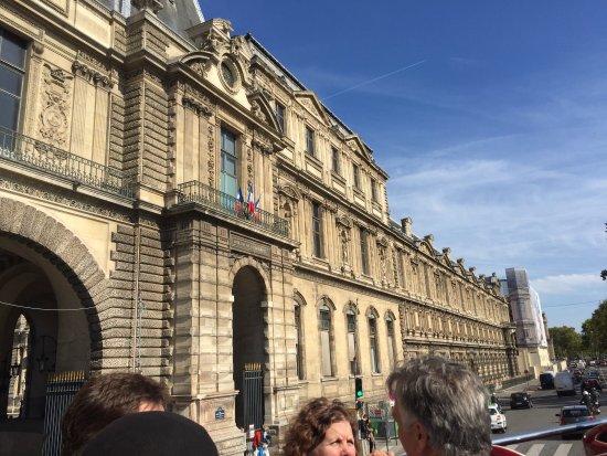 Big Bus Paris: Fue una experiencia increíble y destacó la labor del conductor Philippe que fue muy amable con n
