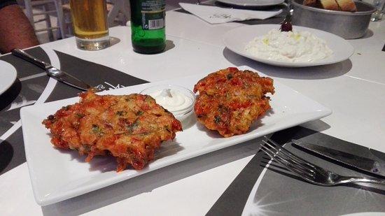 Sesambagt ost med tomat marmelade s godt picture for Aroma mediterranean cuisine