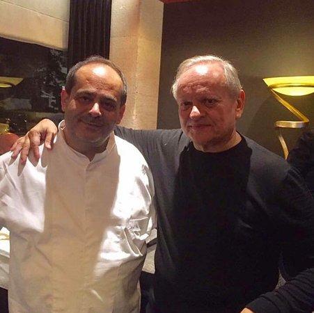 Le Grand Chef Joel Robuchon Et Le Chef Jaafar Au Cherine Photo