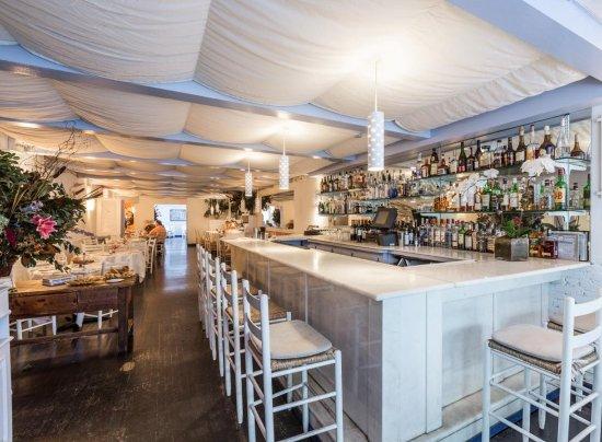 Periyali: Main dining area