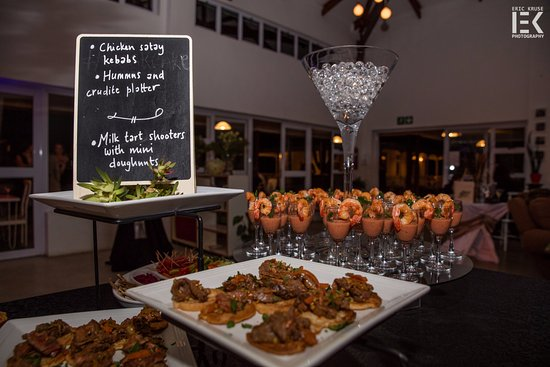 Eshowe, South Africa: Cocktails and canapes!
