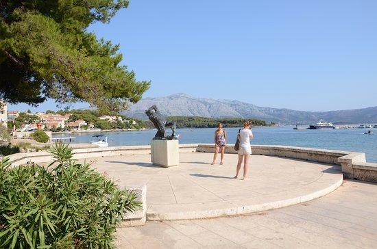 Lumbarda, Croacia: Pomnik poległych