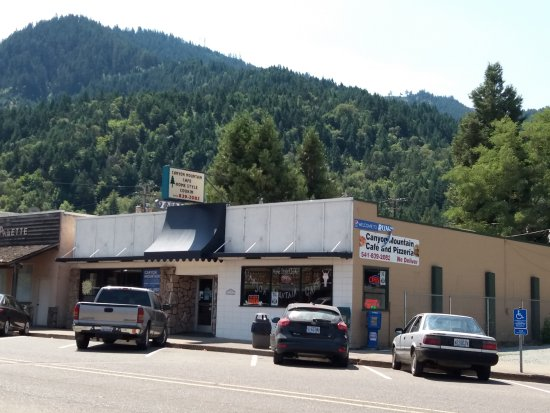 Canyonville, OR: Canyon Mountain Cafe & Pizzeria