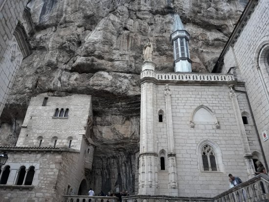 Basilique St-Sauveur: Vue partielle.