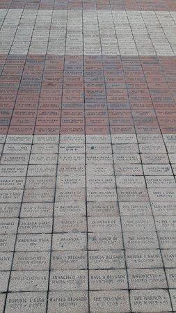 Centennial Olympic Park: La pavimentazione