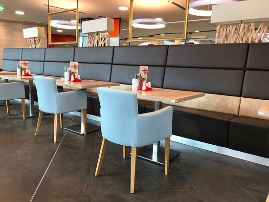 mann mobilia karlsruhe restaurant bewertungen telefonnummer fotos tripadvisor. Black Bedroom Furniture Sets. Home Design Ideas