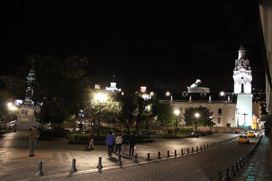 Plaza de la Independencia (Plaza Grande): Piazza by night