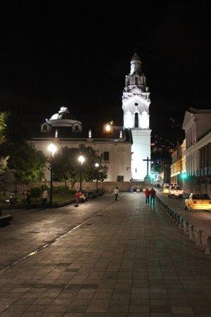 Plaza de la Independencia (Plaza Grande): Vista cattedrale e piazza