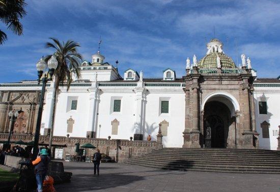 Plaza de la Independencia (Plaza Grande): Vista cattedrale
