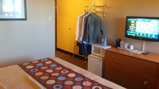 Melrose, MN: King Bedded Room
