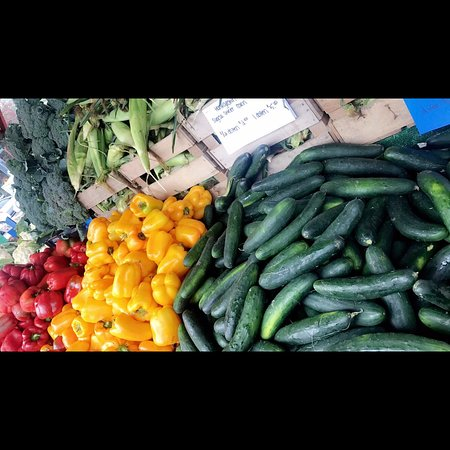 Tamaqua, Пенсильвания: Fresh vegetables anyone? The market has plenty!