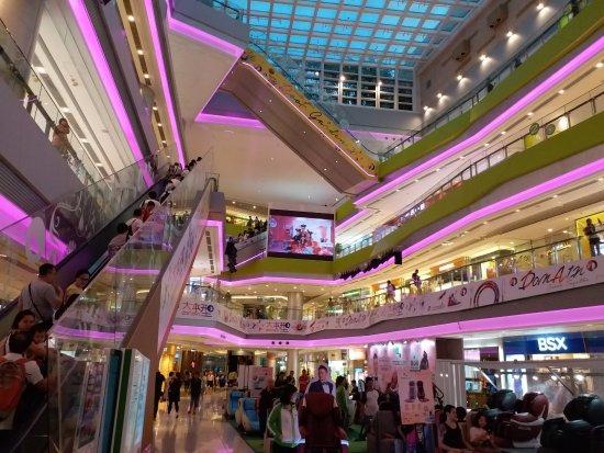 Domain Mall