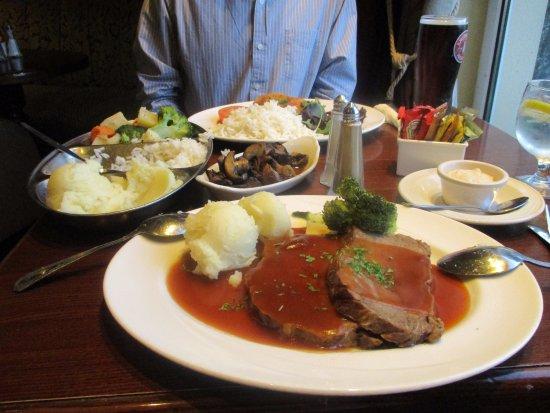 Dundalk, Ireland: beef roast dinner