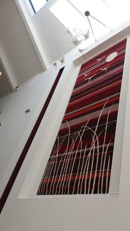 Cavan Crystal Hotel: Reception area, carpet on the wall
