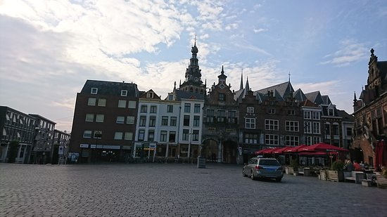 reizen escorte grote borsten in de buurt Nijmegen