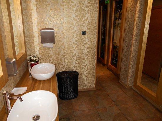 Fahle Restaurant: Trivsamt toalettrum.
