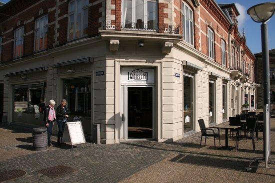 Hobro, Danmark: Exterior of cafe