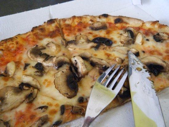 Saint-Pons-de-Thomieres, Francia: champignons frais, j'ai failli oublier la photo tellement elle était bonne !