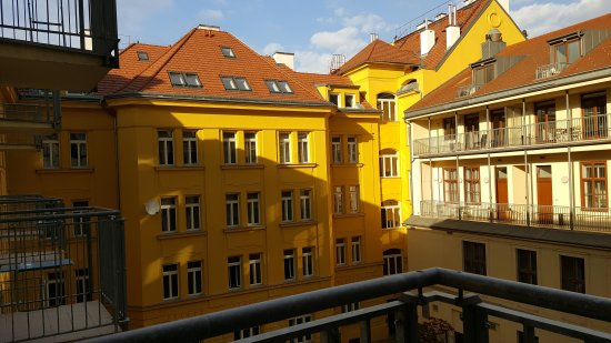 Austria Suites : A well located hotel with spacious rooms.