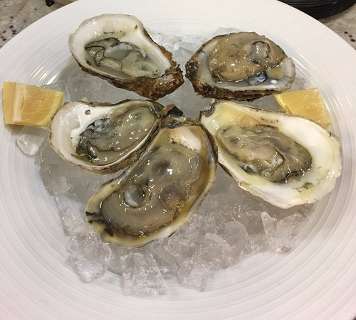 Anderson, Carolina del Sur: Raw Oysters on the Half Shell