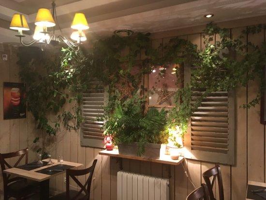 Creperie La Grange : interieur du restaurant