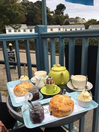 Little Bay Cafe: Cream tea, 1 plain scone, 1 fruit scone