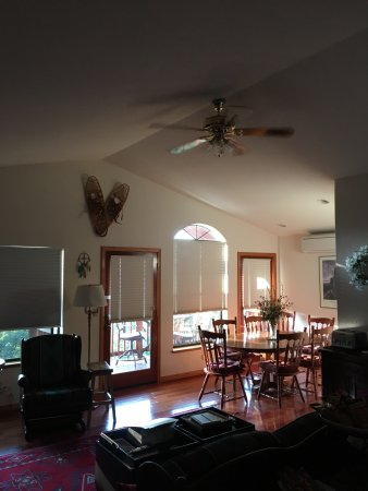 Yosemite West High Sierra Bed and Breakfast: photo1.jpg