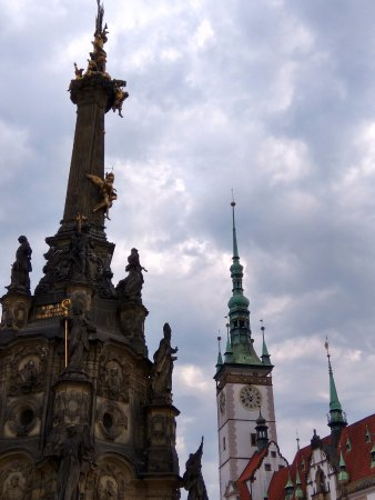 Olomouc, República Checa: Holy Trinity Column and the City Hall