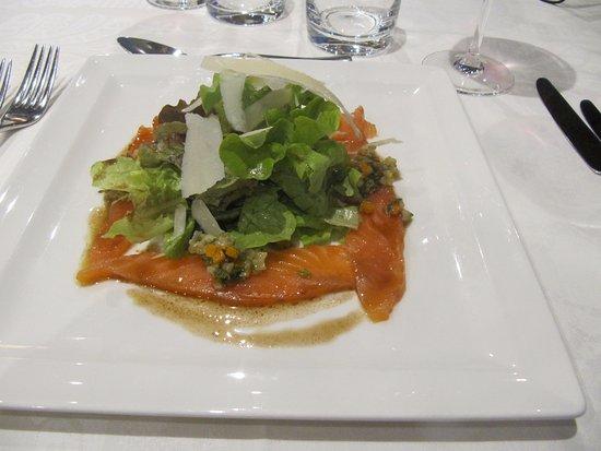 Birkenwald, Frankreich: délicieux carpaccio de saumon