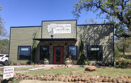 Medicine Park, Оклахома: Welcome to Medicine Creek Olive Oil