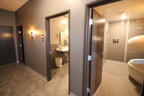 Mankato, MN: Hallway