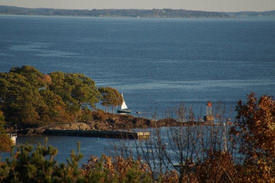 แคมเดน, เมน: Sailboat in Penobscot Bay